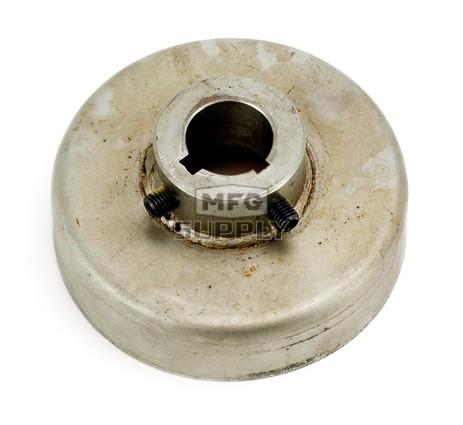 """010961A - Brake Drum W/ External Hub 4 X 1"""""""